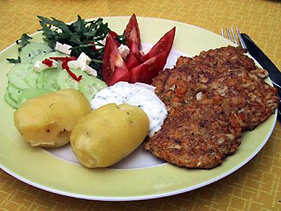 Möhrenpuffer mit Joghurt