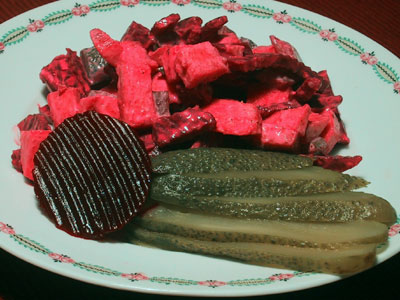 Rote-Bete-Gewürzgurken-Salat