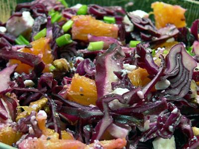Rotkohlsalat mit Orangen und Schafsfeta